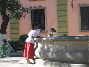 girl-fountain-san-miguel